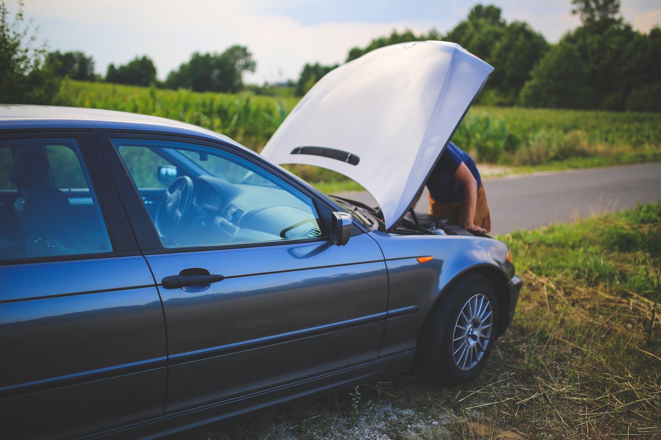 Tips Mengatasi Mobil Mogok